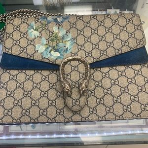 Ladies authentic Gucci bag limited edition